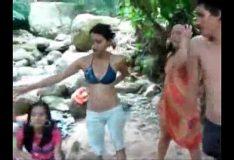 .sarrando a mulherada na cachoeira