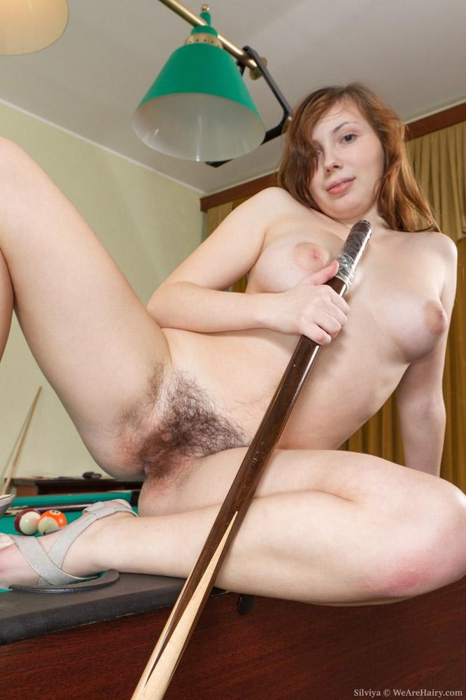 Fotos de xoxotinha novinha peluda deliciosa na mesa de sinuca - Fotos de bucetas | Fotos de mulher pelada